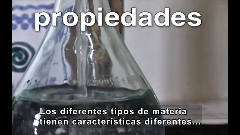 Still image from Describing Matter and Its Properties (Spanish)