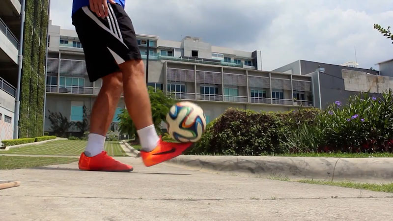 Still image from How to Juggle a Soccer Ball: Tutorial for Beginners (Part 2)