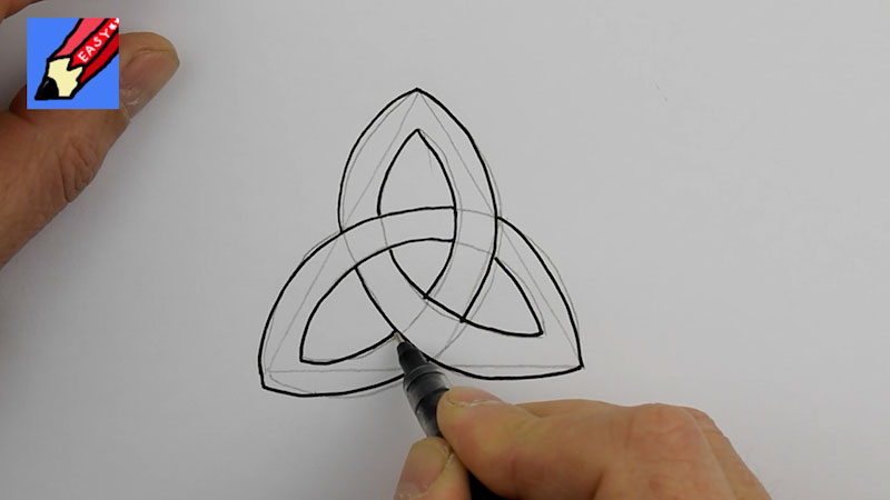 Still image from: How to Draw a Celtic Knot Real Easy