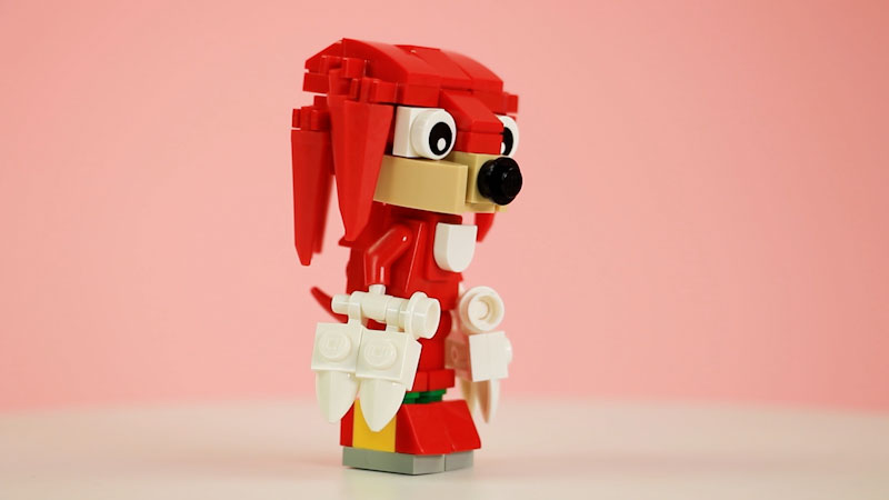 Still image from: How to Build LEGO Knuckles the Echidna