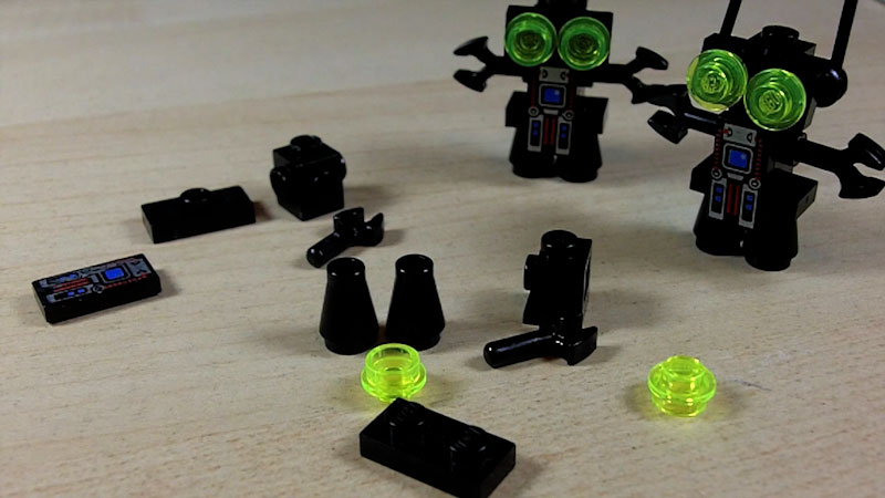 Still image from: How to Build a LEGO Pinchbot