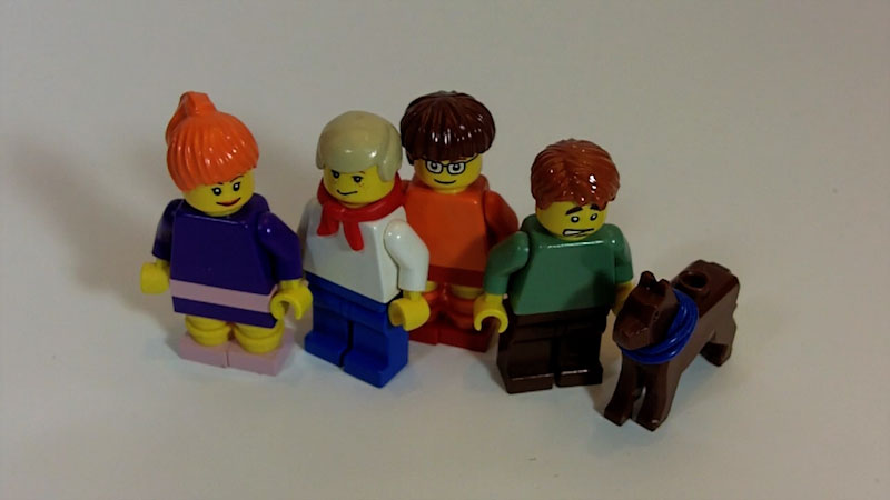 Still image from: How to Build LEGO Scooby Gang Minifigs