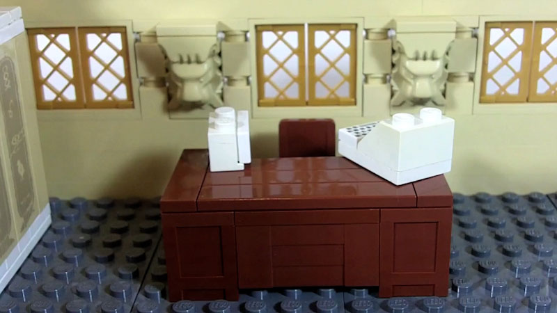 Still image from: How to Build LEGO Office & Desk