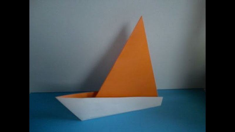Still image from: Origami Sailboat