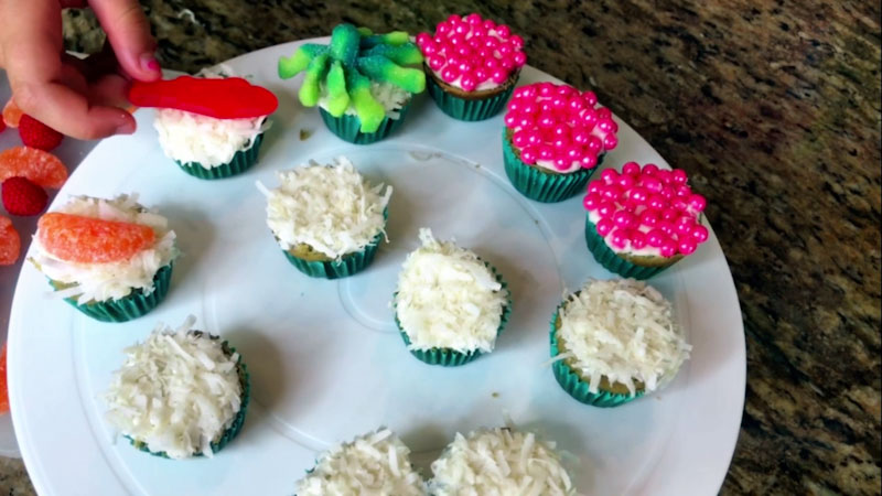 Still image from: Learn How to Make Sushi Candy Cupcakes!