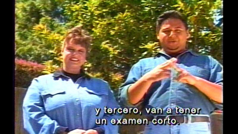 Still image from Signing Fiesta 2 (Spanish)