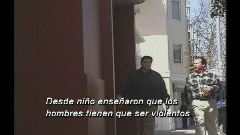 Still image from Family Violence: A Male Viewpoint (Spanish)
