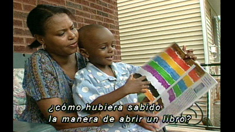 Still image from: Steps to Reading (Spanish)