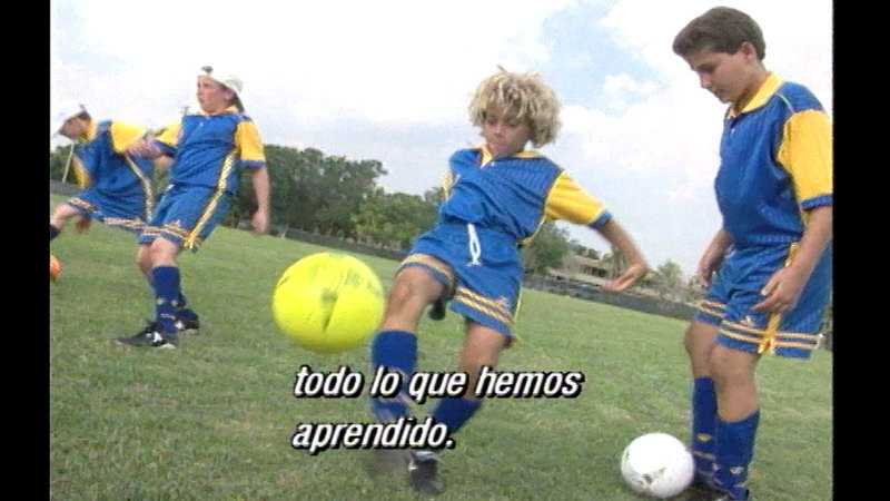 Still image from Introduction to Soccer (Spanish)