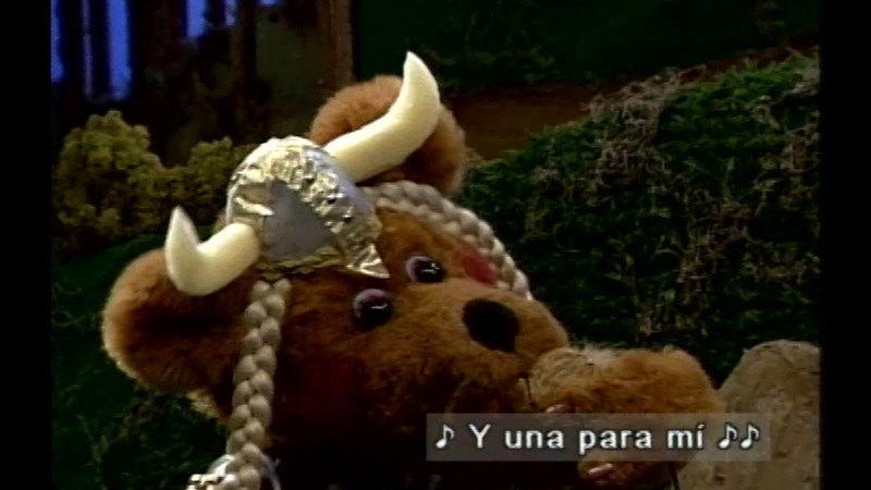 Still image from Salsa 210: Till Mama Bear Sings (Spanish)