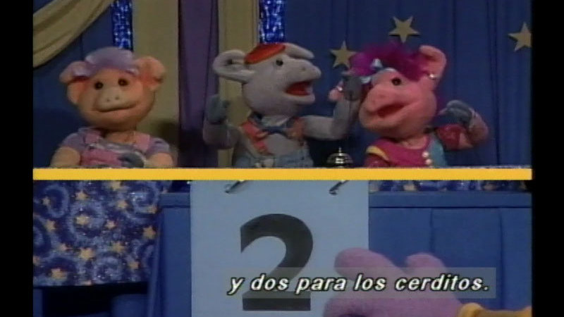 Still image from Salsa 212: Quiz Show: The Showdown (Spanish)