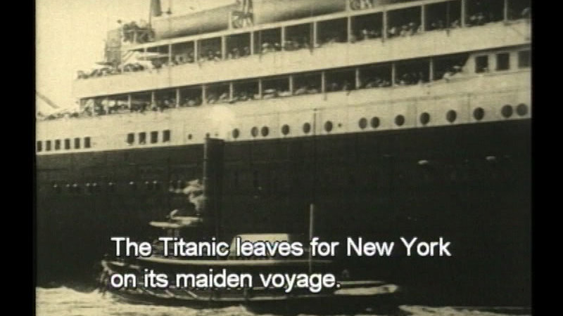Still image from The Titanic Sinks