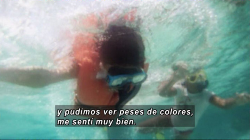 Still image from La Lleva: Providencia - Colombia, Let Yourself Feel The Beauty Of The Sea (Spanish)
