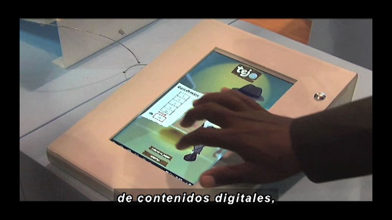 Still image from Science and Technology--Colombia 3.0 (Spanish)