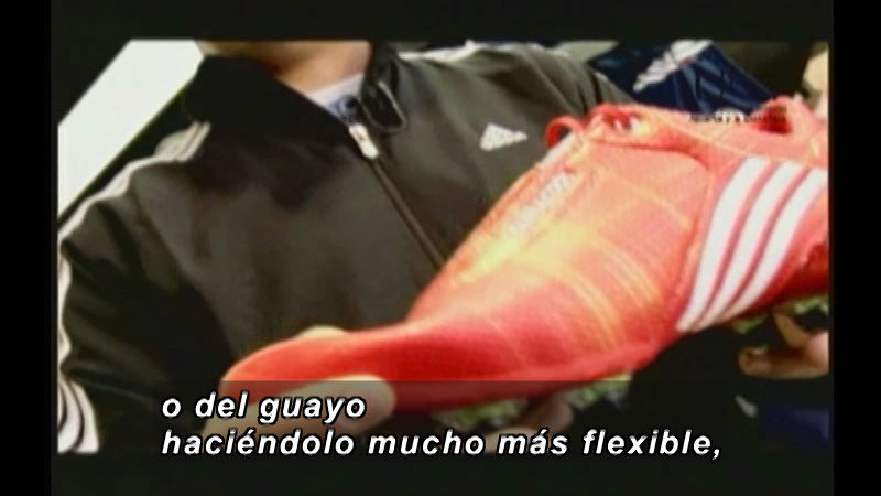 Still image from Science And Technology - Soccer (Spanish)