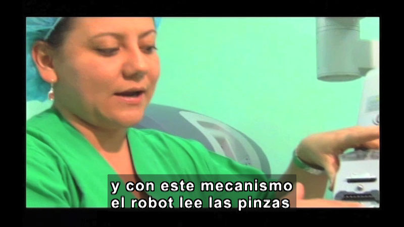 Still image from Science and Technology--Telemedicine (Spanish)