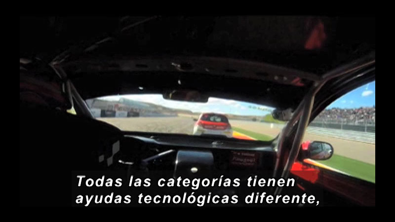 Still image from Science and Technology--Automotive Technology (Spanish)