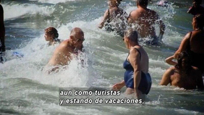 Still image from How Can It Affect The Tourism Industry (Spanish)