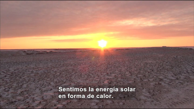Still image from Science Video Vocab: Solar Energy (Spanish)