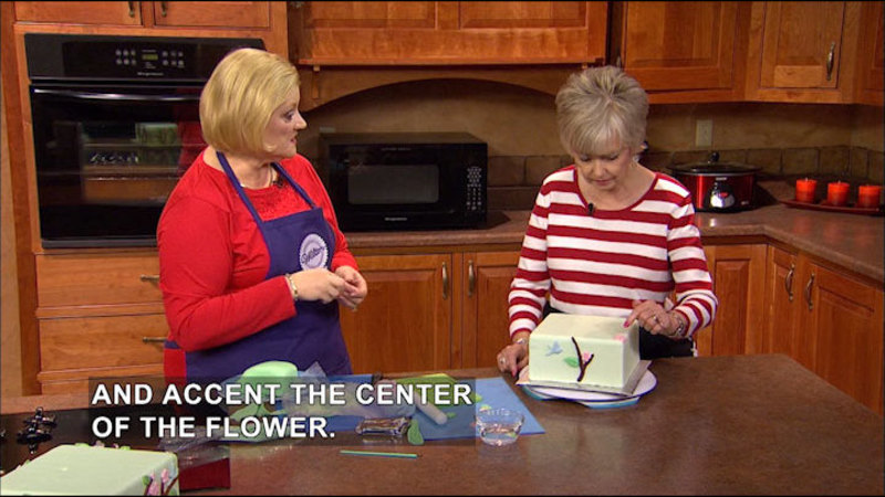 Still image from Creative Living With Sheryl Borden #6520