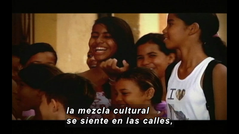 Still image from Colombia Express: Children Of The Festival II (Spanish)