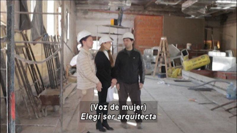 Still image from Don't Let Prejudices Talk For You: Gender Role (Spanish)