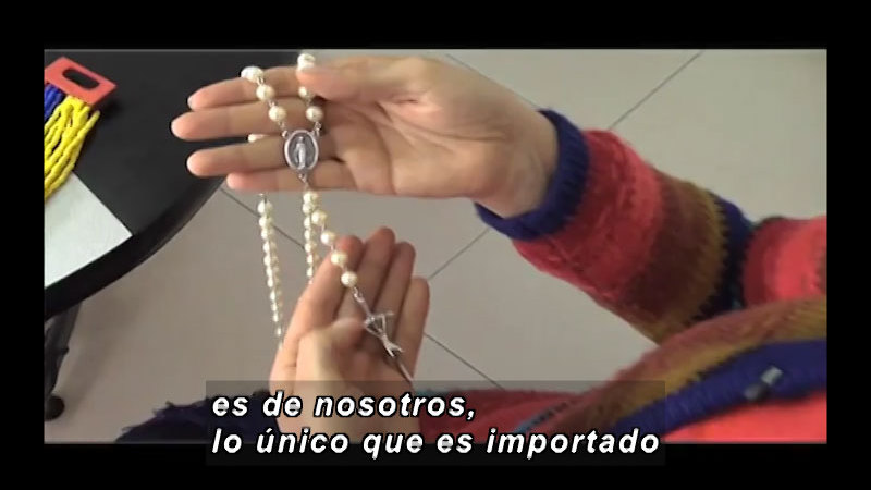 Still image from: Science And Technology – Fashion And Technology (Spanish)