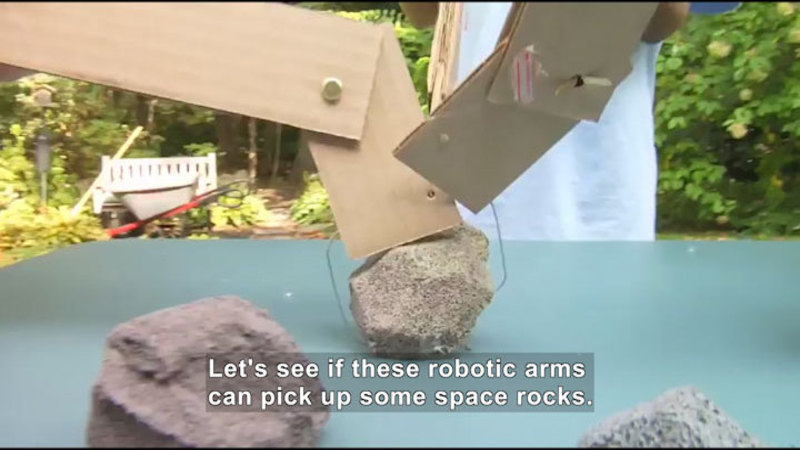 Still image from Robo Arm Challenge